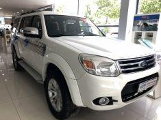 Ford Everest số sàn màu trắng sản xuất 2014