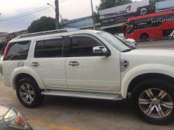 Ford Everest cũ đời 2010 số tự động - màu trắng 1 chủ