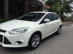 Ford Focus Sport đời 2013 màu trắng