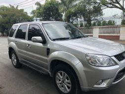 Ford Escape XLT 4x4 - Sản xuất 2013