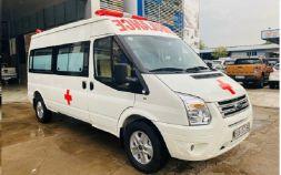 Ford Transit cứu thương cao cấp mới 100%