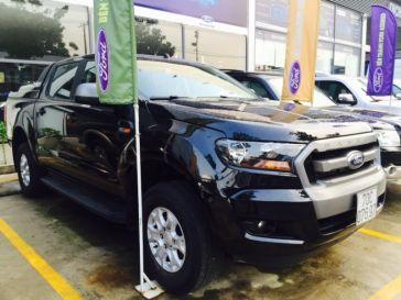 Ford Ranger XLS MT đời 2016 màu đen phong thủy