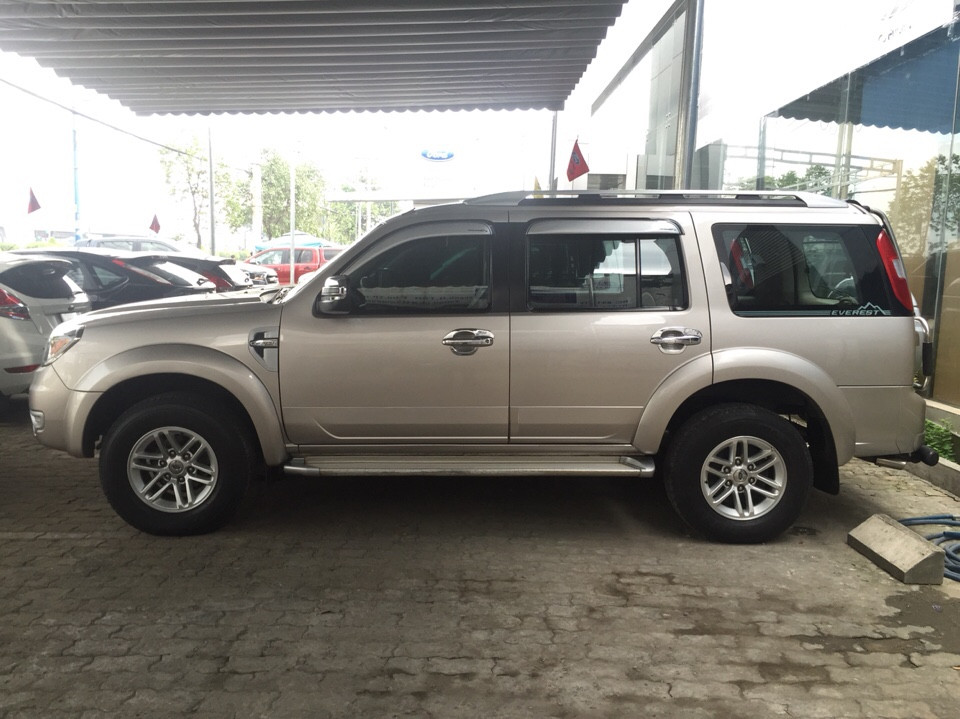 Ban xe ford everest cu