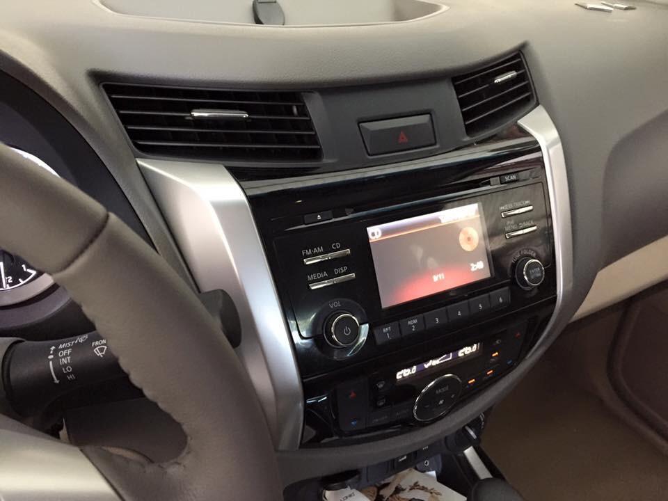 Bán xe nissan navara nv300 cũ đời 2015 phiên bản mới full - 3