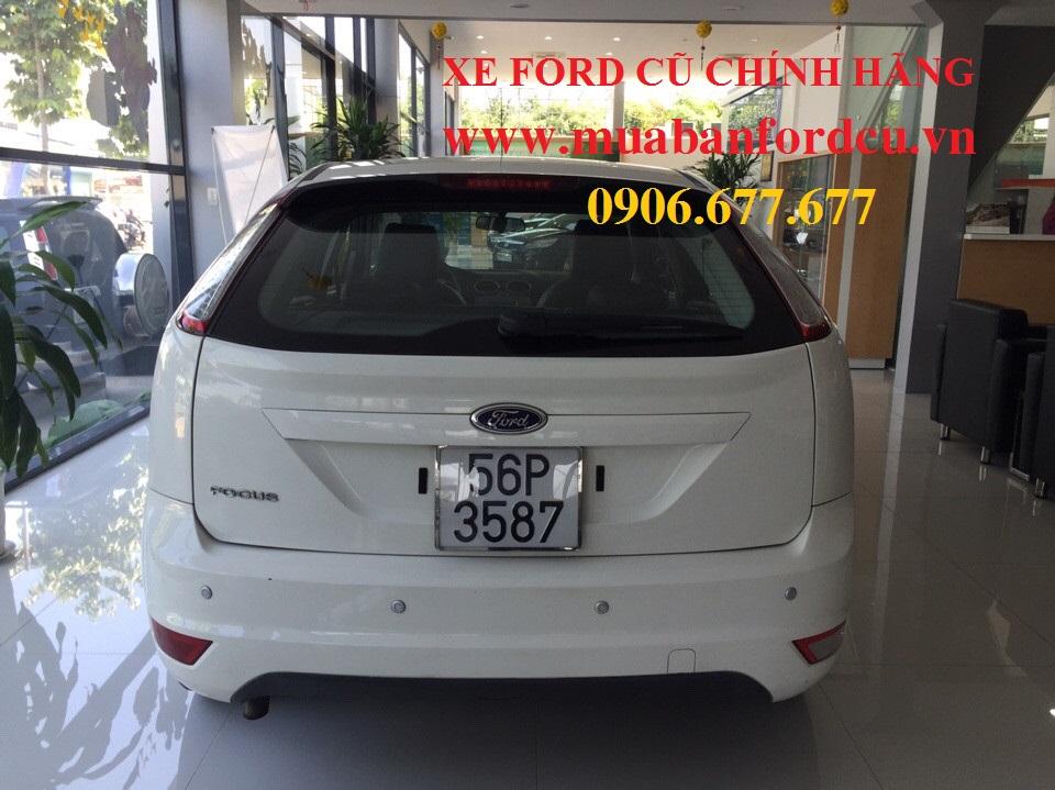 Ford focus cũ màu trắng đời 2010 - 4