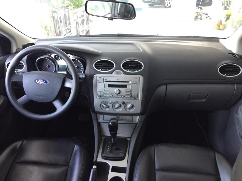 Ford focus cũ màu trắng đời 2010 - 6