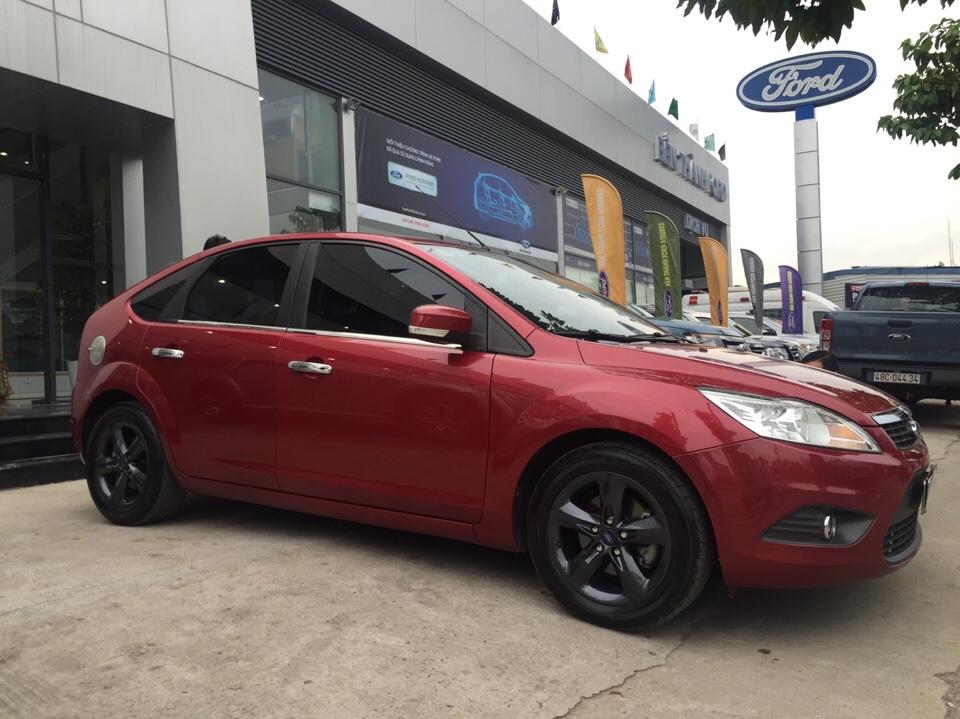 Ford focus 18l đời 2012 màu đỏ - 2