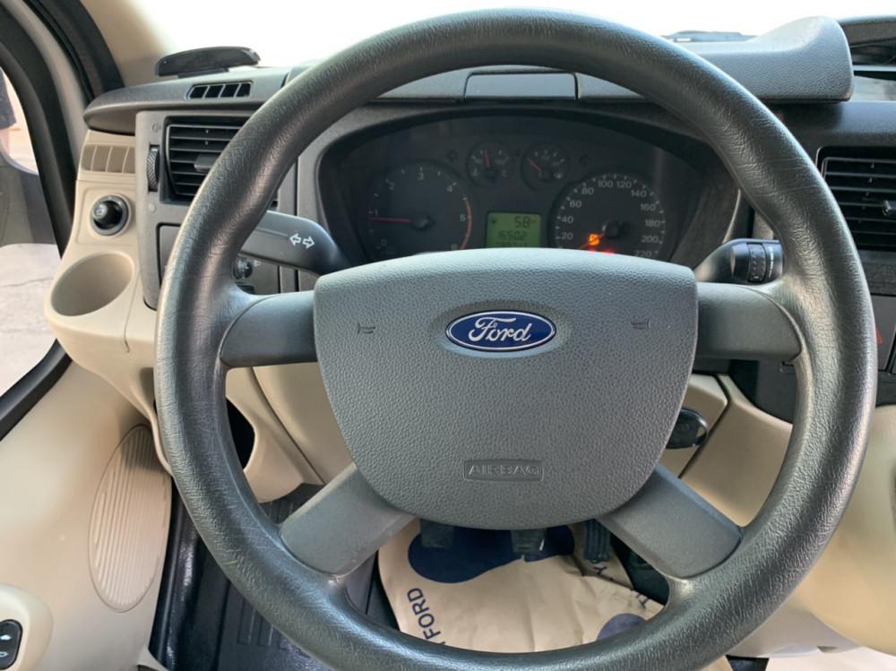 Ford transit cũ 2017 chạy ít không kinh doanh - 4